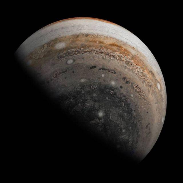 Glancing Back Jupiter