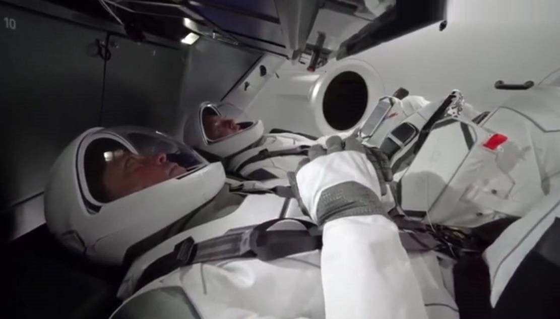 SpaceX video simulation of the first Crew Dragon mission
