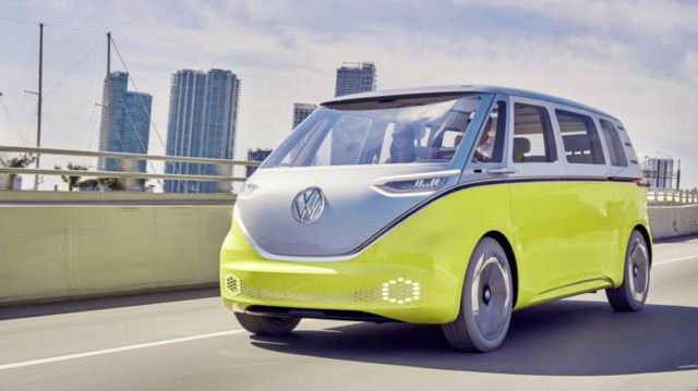 Volkswagen Self-driving electric shuttles (3)