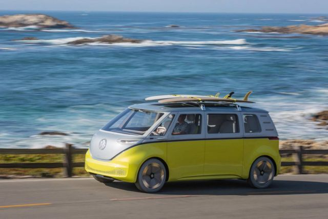 Volkswagen Self-driving electric shuttles (2)