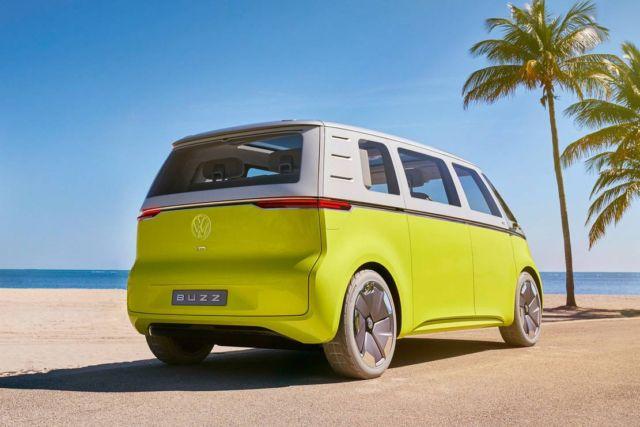 Volkswagen Self-driving electric shuttles (1)