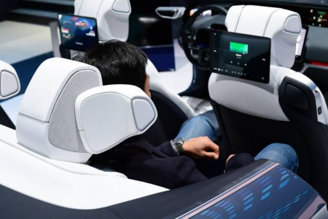 Samsung Digital Cockpit 2020 (1)