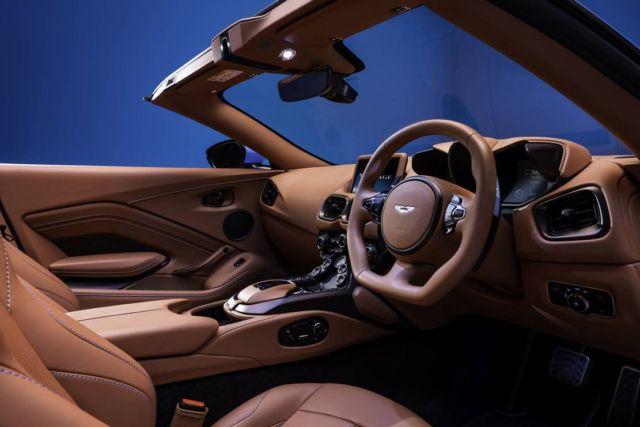 Aston Martin Vantage Roadster 2021 (2)