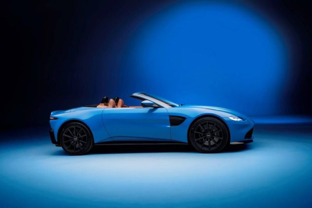 Aston Martin Vantage Roadster 2021 (8)