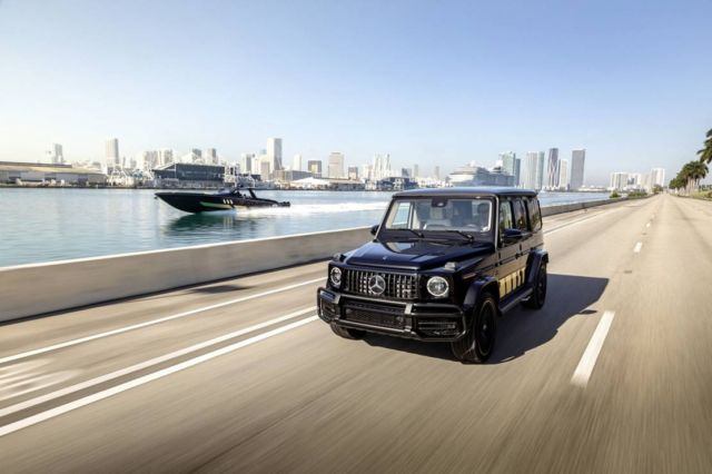 Mercedes-AMG G63 and Cigarette Racing 59' speedboat (3)