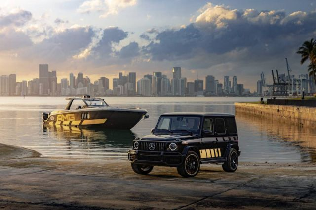 Mercedes-AMG G63 and Cigarette Racing 59' speedboat (1)