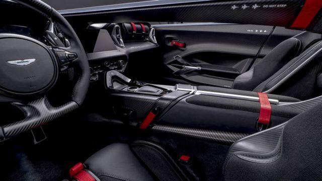 Aston Martin V12 Speedster (6)