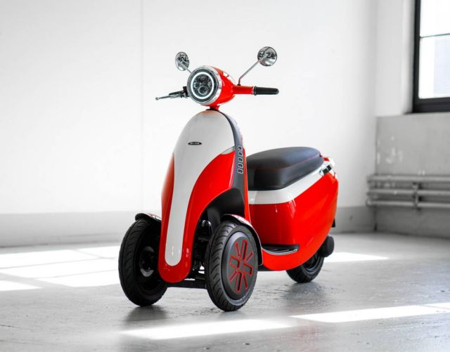 Micro electric bubble car and three-wheeled e-scooter (7)