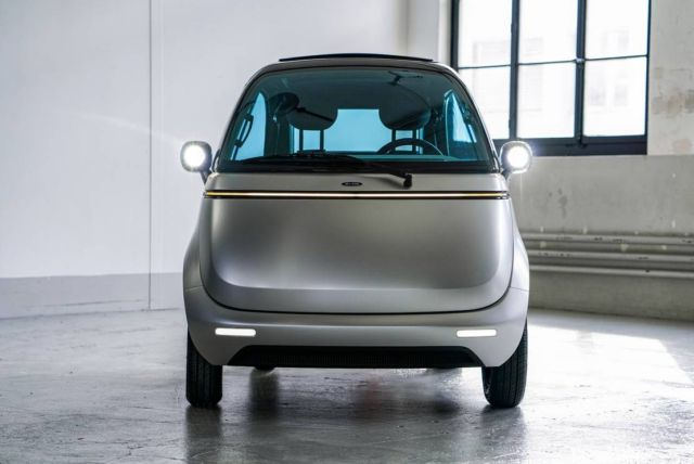 Micro electric bubble car and three-wheeled e-scooter (2)