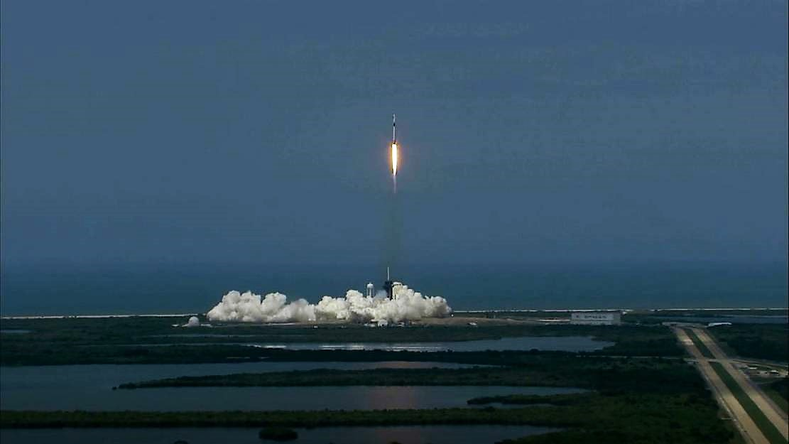 SpaceX's historic launch with 2 American astronauts succeeds (4)