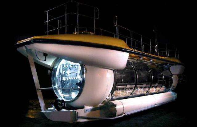 Triton DeepView 24-Seat Submarine