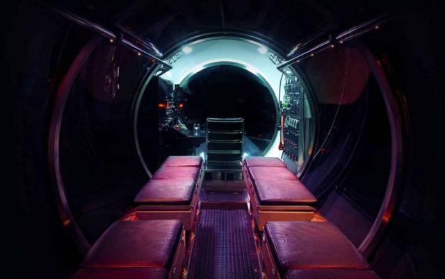 Triton DeepView 24-Seat Submarine (4)