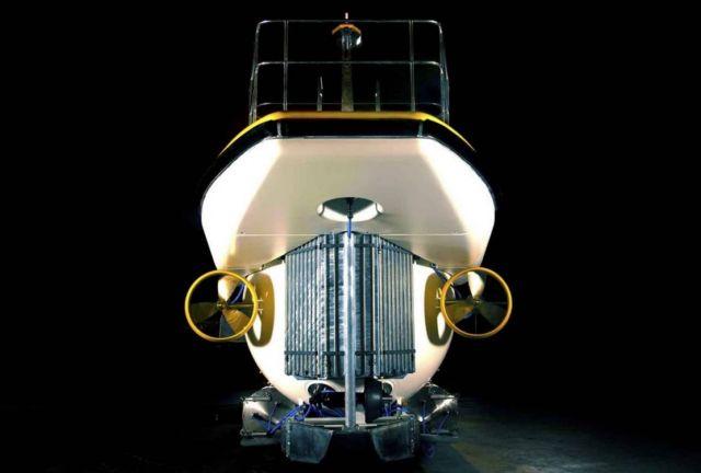 Triton DeepView 24-Seat Submarine (3)