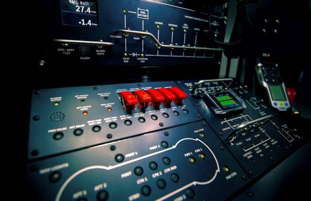 Triton DeepView 24-Seat Submarine (2)