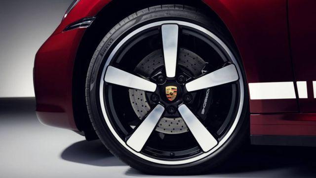 Porsche 911 Targa 4S Heritage Design Edition (3)