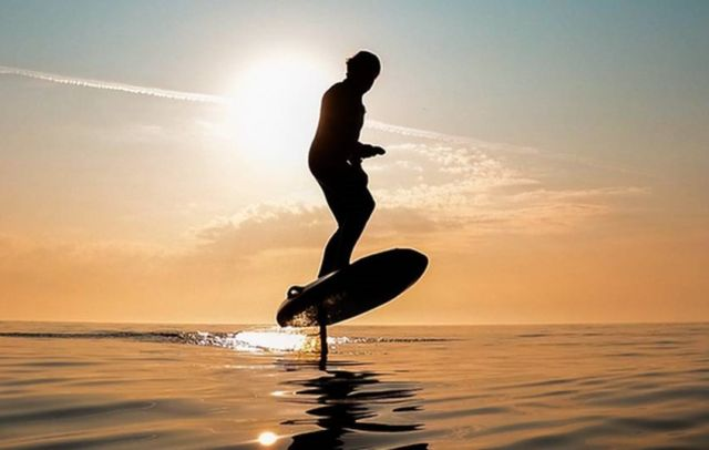 Waydoo Flyer One electric surfboard