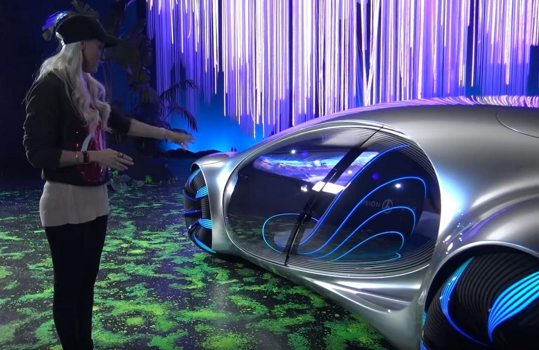 Futuristic Mercedes Drives Sideways | wordlessTech