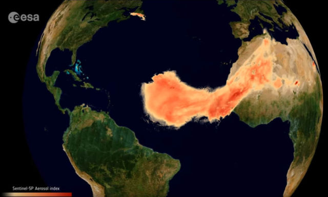 Plume of dust from Africa cross the Atlantic Ocean