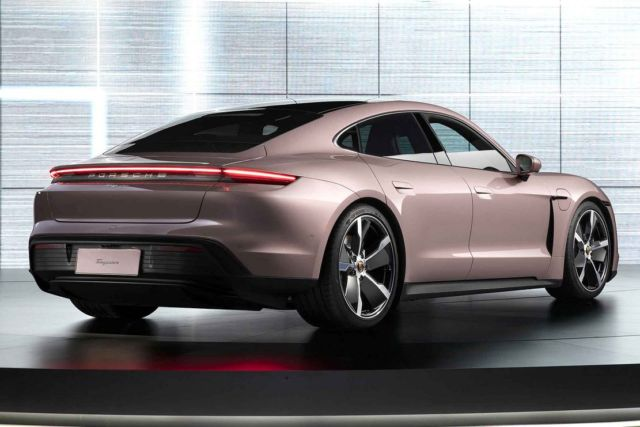 Porsche Taycan RWD Sedan (3)