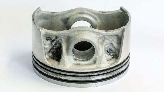 Porsche 3D printed pistons (5)