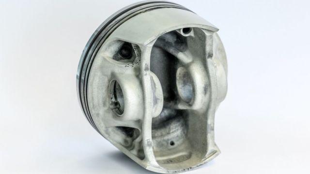 Porsche 3D printed pistons (2)