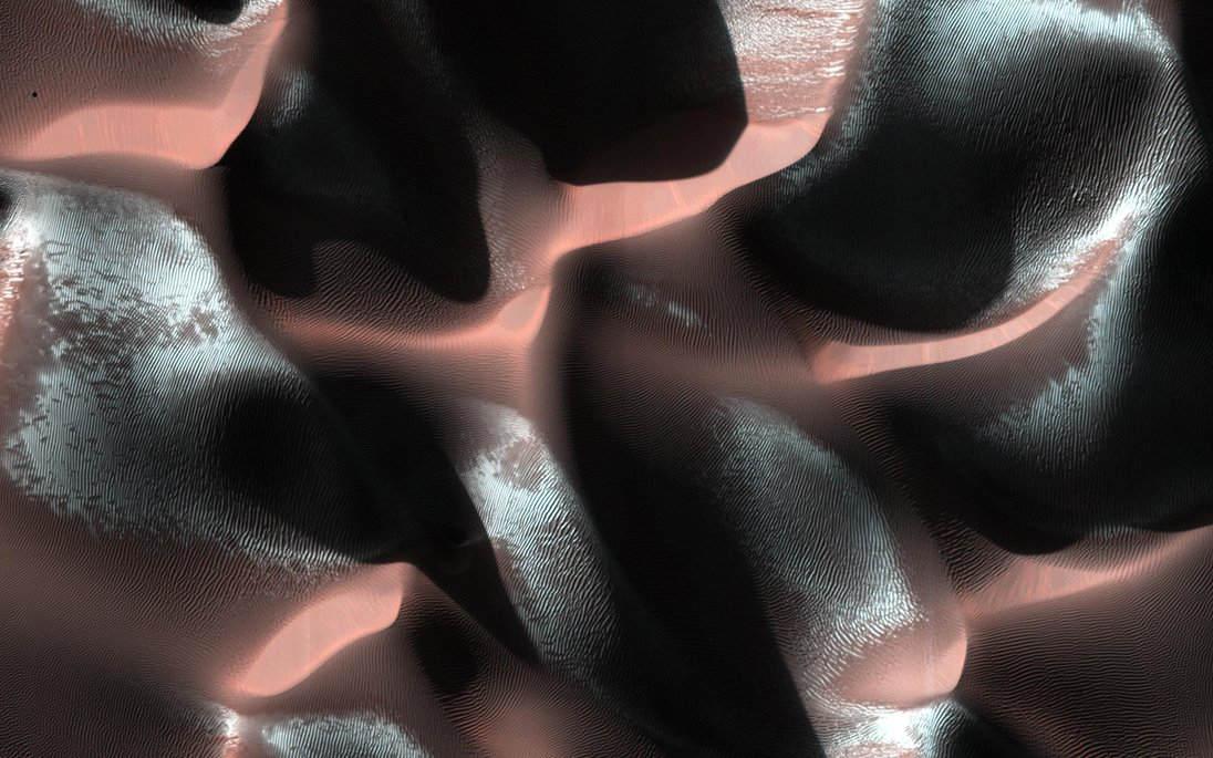 Light and Dark in Martian Chiaroscuro