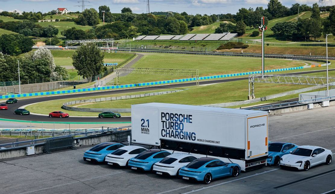 Porsche rolls out High-power charging trucks for Taycan (3)