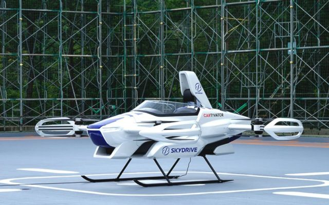 SkyDrive flying car concluded first public manned flight