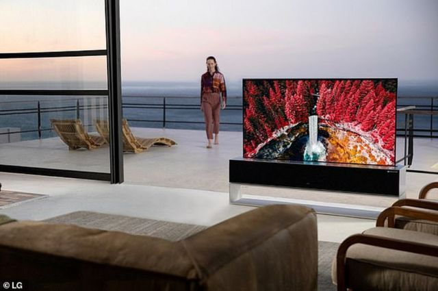 LG Rollable OLED TV (3)