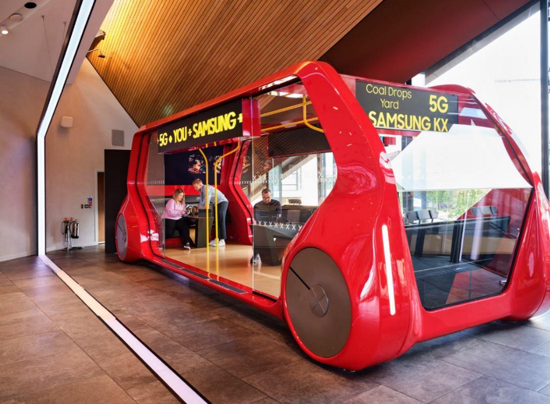 Samsung KX launches 5G Bus (5)