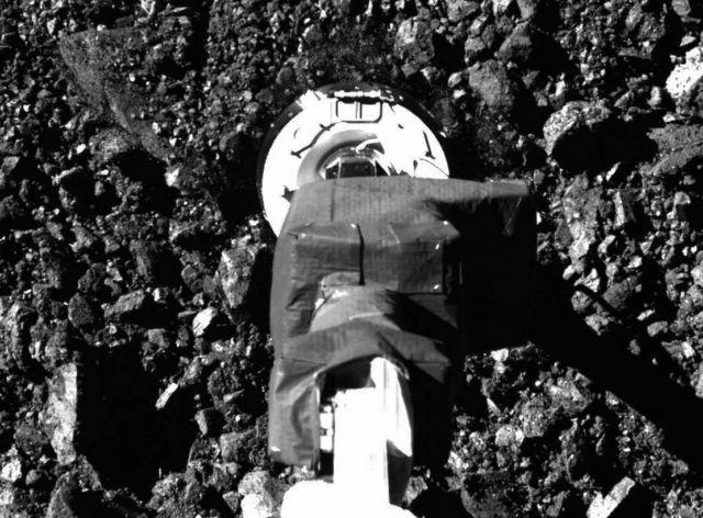 OSIRIS-REx spacecraft touched asteroid Bennu