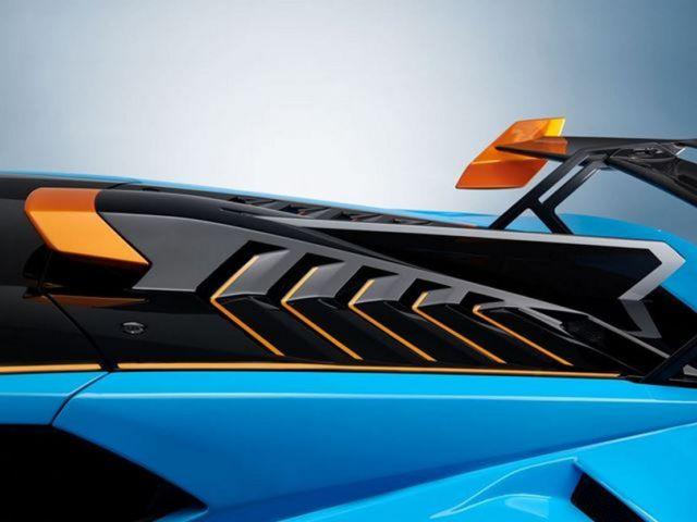 2021 Lamborghini Huracan STO (2)