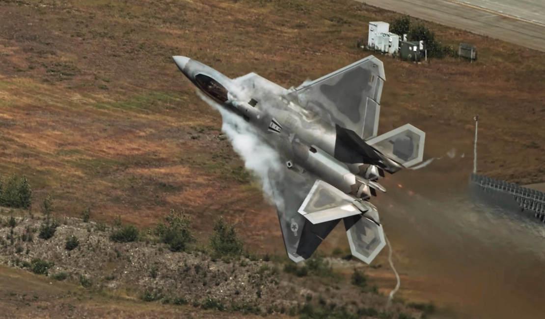 Insane F-22 Raptor video