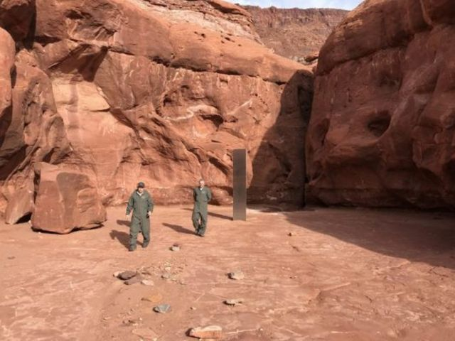 Mysterious Monolith in the Utah wilderness (2)