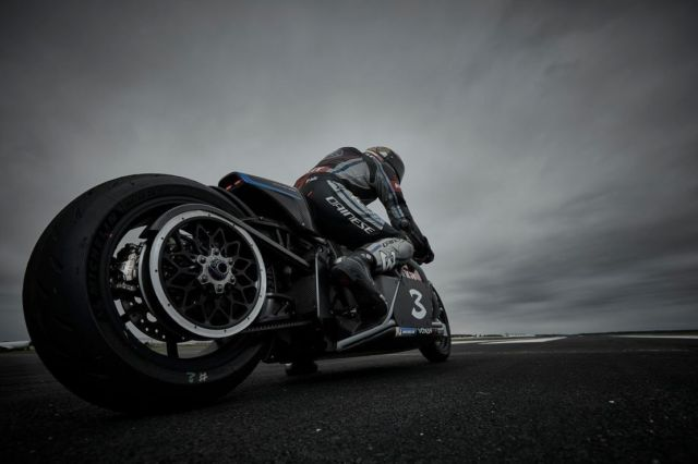 Voxan Wattman is the fastest electric motorcycle in the world (3)
