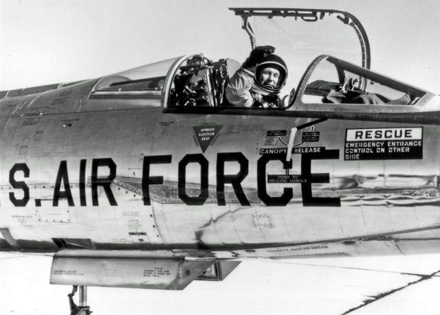 Chuck Yeager Legendary Test Pilot (2)
