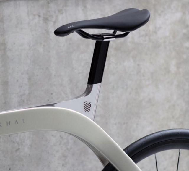 Extans Akhal Shadow Bike (1)