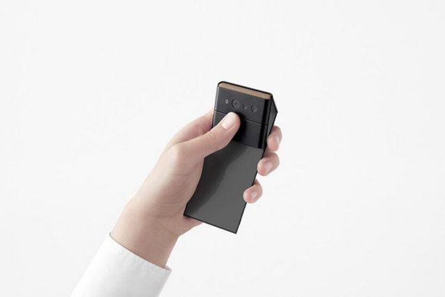 Nendo credit card-sized phone unfolds into three screens (2)