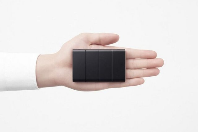 Nendo credit card-sized phone unfolds into three screens (1)