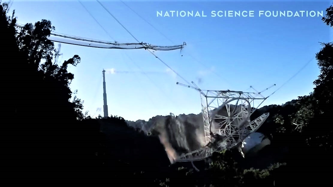The Dramatic moment of Arecibo Observatory Collapse – video