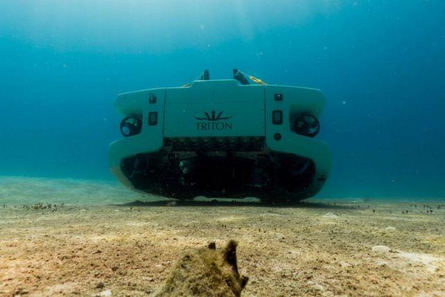Triton 3300/6 $5.5 million personal Submarine (5)