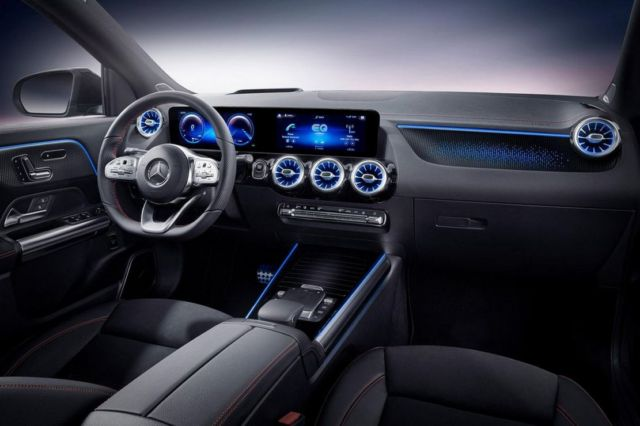 Mercedes-Benz EQA SUV (3)