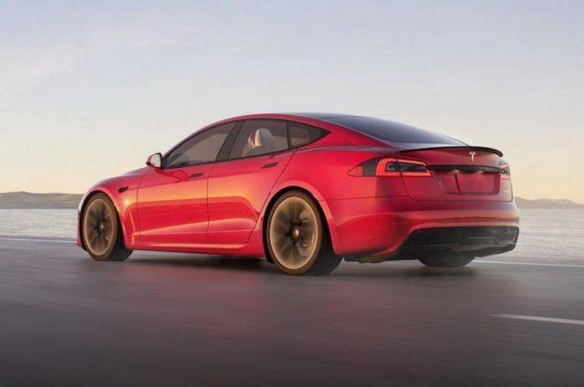 The new Tesla Model X Plaid (4)