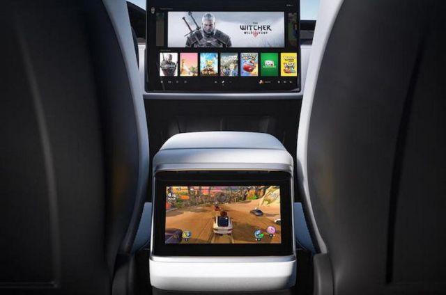 The new Tesla Model X Plaid (3)