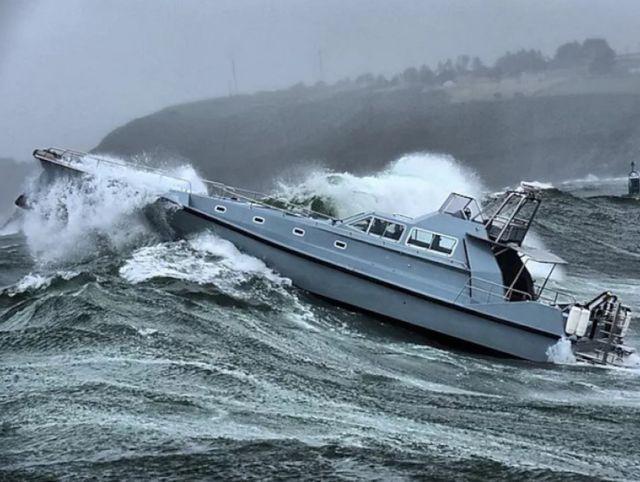 Wave-Piercing 75-Foot Explorer Yacht (4)