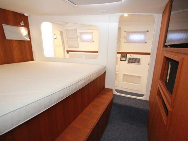 Wave-Piercing 75-Foot Explorer Yacht (3)