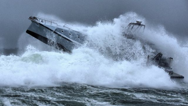 Wave-Piercing 75-Foot Explorer Yacht (11)