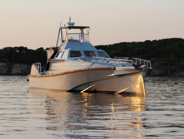 Wave-Piercing 75-Foot Explorer Yacht (9)