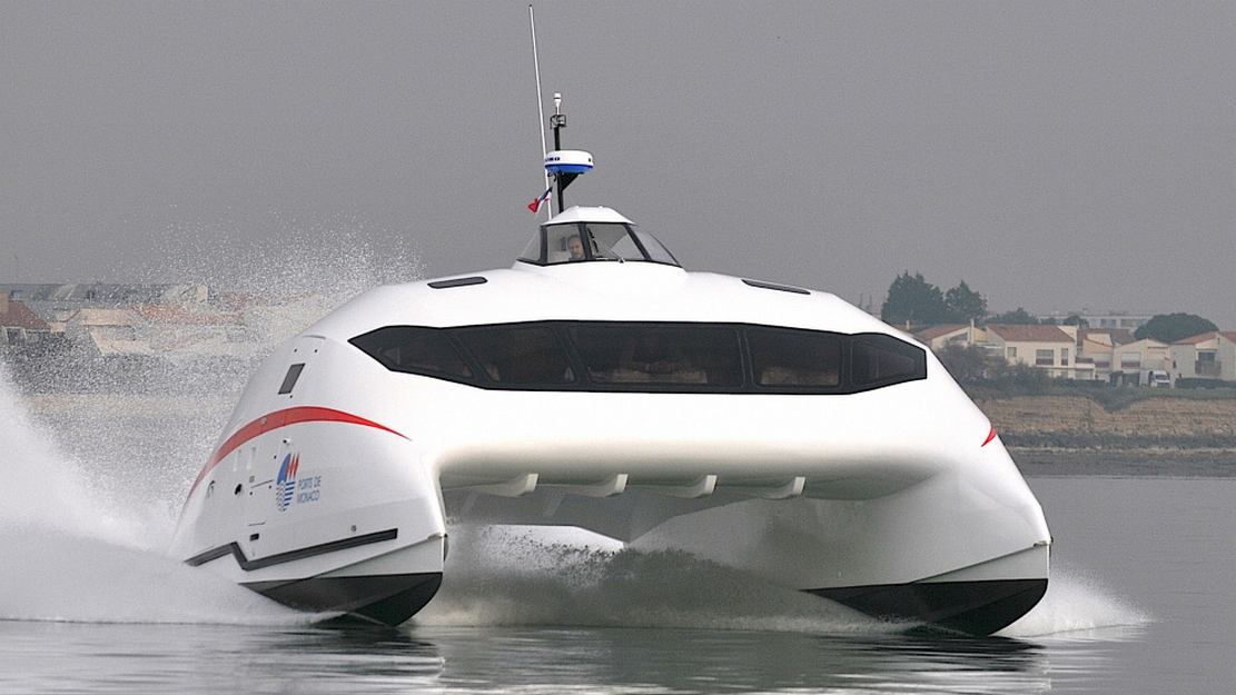 A2V aerodynamic catamaran (8)