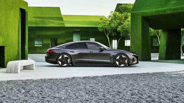 AUDI e-tron GT all-electric performance sportscar (6)